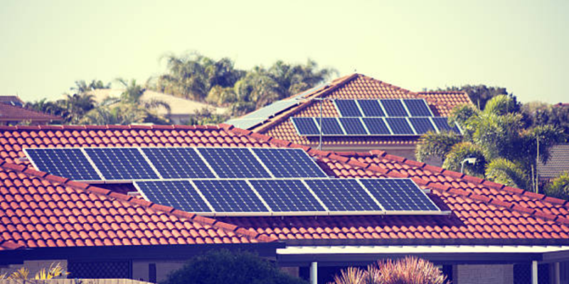 Sunny Side Up : Delhi Home-Owners Take Up Rooftop Solar To Welcome Summers
