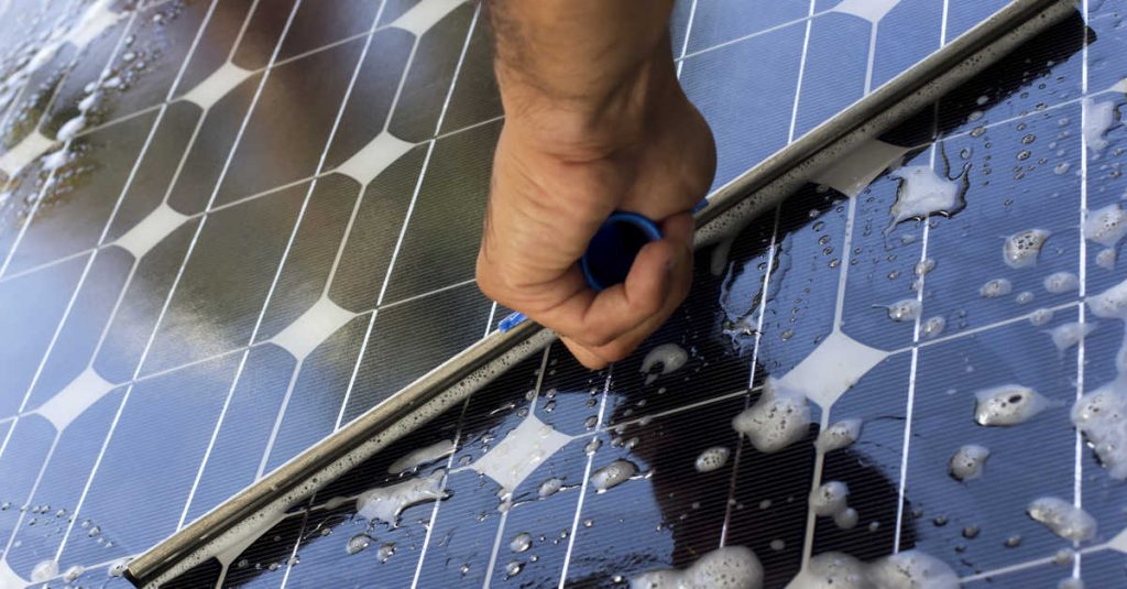zunroof_cleaning_solar_panels